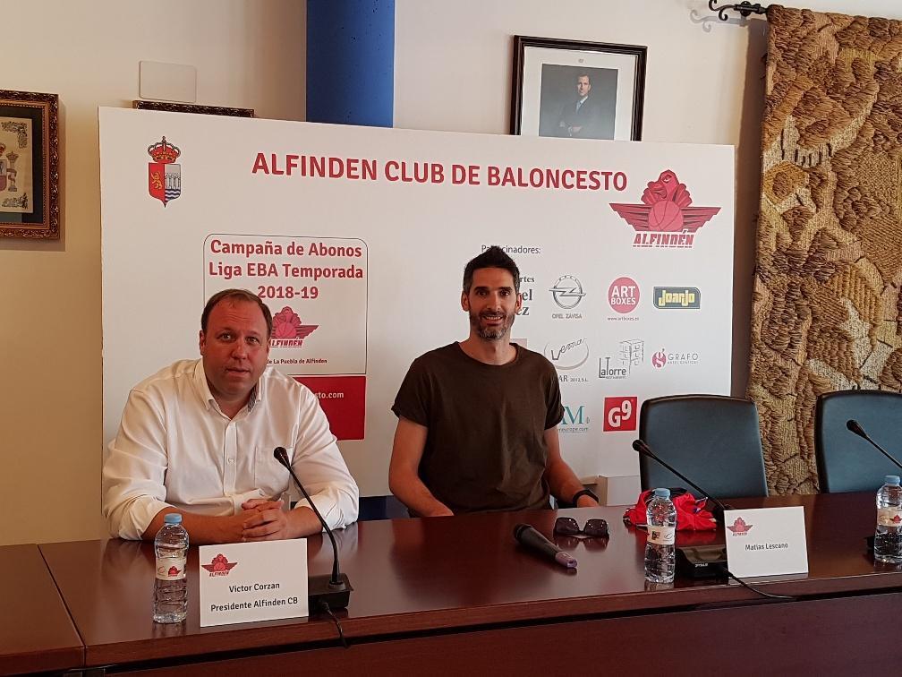 Matías Lescano con el Presidente del Alfindén Club Baloncesto