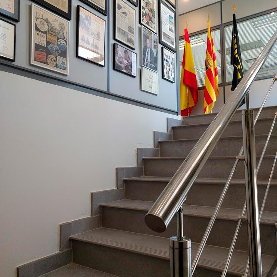 seguridad-laboral-escaleras-01