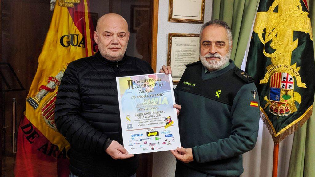 Armando Mozota (JOARJO) junto al General Carlos Crespo tras la primera reunión de la organización de la II Correría Popular